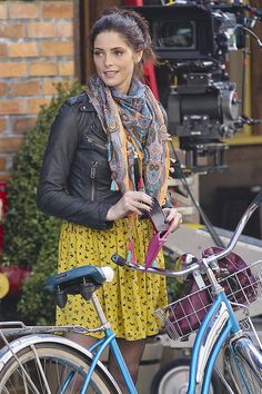 Ashley Greene Patterned Scarf     Ashley Greene wore this patterned scarf with her leather jacket while on set.