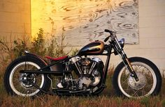 Photo of 1938 Harley Bobber Motorcycle with Model EL Knucklehead OHV V twin engine by Atomic Custom. Harley Davidson Knucklehead, Harley Bobber, Harley Davidson Chopper, Cafe Racer Motorcycle, Harley Davidson News, Motorcycle Helmets, Cafe Racer Helmet, Cafe Racer Girl, Cafe Racer Bikes