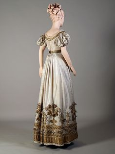 Court or evening dress ca. 1810-25 From the Kent... - Fripperies and Fobs
