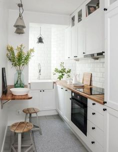 If you are looking for Apartment Kitchen Design Ideas, You come to the right place. Below are the Apartment Kitchen Design Ideas. This post about Apartment Kitchen Design Ideas was posted under the Ki. Galley Kitchen Design, Small Space Kitchen, Little Kitchen, New Kitchen, Kitchen Interior, Kitchen Decor, Kitchen White, Kitchen Wood, Kitchen Colors