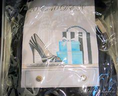 Angel of Berlin: [organises...] her wardrobe