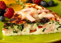 Canadian Bacon, Spinach & Cheese Frittata (low fat, low carb) - Ingredients: 1 tbsp olive oil 3 cup sweet onion, chopped 1 oz) package Jones Canadian bacon slices, sliced in julienne strips thick). Sin Gluten, Gluten Free, Brunch Recipes, Breakfast Recipes, Breakfast Ideas, Breakfast Club, Breakfast Dishes, Dinner Recipes, Tapas