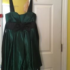 Green bubble dress Green bubble dress size 3! Never worn! Speechless Dresses Mini