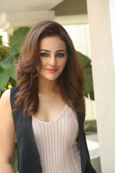 Seerat Kapoor Hot Photos At Touch Chesi Choodu Movie Interview ★ Desipixer ★ Beautiful Girl Photo, Beautiful Girl Indian, Most Beautiful Indian Actress, Beautiful Actresses, Beautiful Eyes, India Beauty, Stylish Girl, Bollywood Actress, Bollywood Heroine