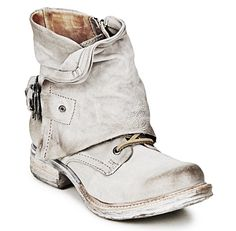 Gypsy shoes. For more follow www.pinterest.com/ninayay and stay positively #pinspired #pinspire @ninayay