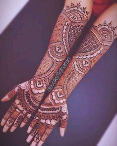 Explore Best Mehendi Designs and share with your friends. It's simple Mehendi Designs which can be easy to use. Find more Mehndi Designs , Simple Mehendi Designs, Pakistani Mehendi Designs, Arabic Mehendi Designs here. Henna Hand Designs, Basic Mehndi Designs, Latest Bridal Mehndi Designs, Legs Mehndi Design, Mehndi Designs For Beginners, Mehndi Design Pictures, Mehndi Designs For Girls, New Bridal Mehndi Designs, Mehndi Images