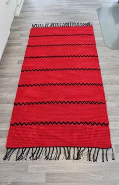 ! Textiles, Rag Rugs, Weaving Patterns, Ottomans, Woven Rug, Bohemian Rug, Carpet, Yoga, Home Decor