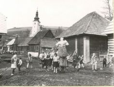 Children in Slovenia with Marzanna, early 1900s. Wikipedia.