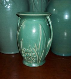 Beautiful example - Aqua Glaze - Double Handle Vase - Flowers & Leaves