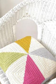 Ravelry: Pin-wheel Cushion pattern by Little Doolally Crochet Pillow Patterns Free, Crochet Motif, Crochet Yarn, Crochet Cushion Cover, Cushion Covers, Cushion Pillow, Pillow Covers, Modern Crochet, Crochet Home