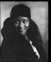 Victoria Spivey Spivey had retired in the 50's but came back not long after and had a young man singing backing vocals and playing harmonica on her 1962 album, his name was Bob Dylan - http://blog.tributapparel.com/music/women-blues