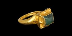 Byzantine Gold Ring with Emerald