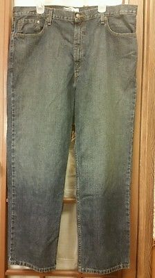 Levi's Men's 42x30 relaxed fit straight leg medium wash blue jeans