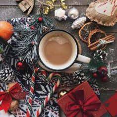 Are you looking for ideas for christmas pictures?Browse around this site for unique Xmas inspiration.May the season bring you happy memories. Christmas Mood, Noel Christmas, Little Christmas, Christmas And New Year, All Things Christmas, Xmas, Christmas Flatlay, Christmas Ideas, Christmas Coffee