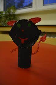 Výsledek obrázku pro vánoční výrobky z ruliček od toaletního papíru Christmas Ornaments, Holiday Decor, Arrow Keys, Close Image, Christmas Jewelry, Christmas Decorations, Christmas Wedding Decorations