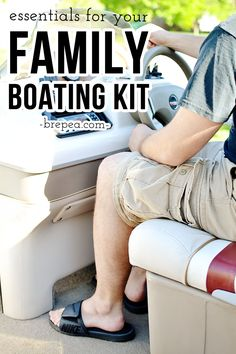 What to pack for your summer fun family boat trip.  Make this easy boat kit for your family boating essentials.