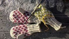 Ravelry: Prikkete barnevotter pattern by Popsinune Design Free Knitting, Knitting Patterns, Knit Mittens, Fingerless Gloves, Arm Warmers, Ravelry, Diy And Crafts, Crochet Hats, Quilts