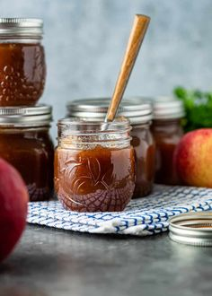 Recipe For Apple Butter, Apple Butter Canning, Canning Apples, Homemade Apple Butter, Applesauce Recipes, Apple Recipes, Fall Recipes, Real Food Recipes, Cooked Apples