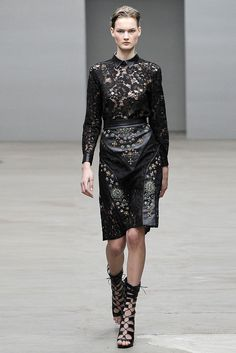 Christopher Kane - Fall 2010 Ready-to-Wear - Look 32 of 32
