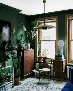 The Nordroom - Green Plant-Filled Living Room in The Color-Blocked London Home of Interior Stylist Laura Fulmine Pink, green and blue. This vibrant London home is a delight for the eye to eveyone who loves colorful spaces Bedroom Green, Room Ideas Bedroom, Green Bedroom Design, Green Bedrooms, Green Bedroom Decor, Bedroom Plants, Decor Room, Dark Green Living Room, Green Living Room Ideas
