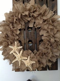 This wreath is handmade from natural colored burlap. 3 beautiful starfish added for that perfect beachy feel Measures Beach Crafts, Summer Crafts, Holiday Wreaths, Rag Wreaths, Beach Wreaths, Starfish Wreath, Colored Burlap, Rag Garland, Shell Crafts