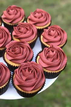 Wanting some uniqueness to your wedding treats? We have a list of the unique wedding cupcake ideas! You will be amazed at some of these simple ideas for wedding cupcakes! Any color theme or decoration… Easy Cupcake Recipes, Easy Cheesecake Recipes, Wedding Desserts, Wedding Cupcakes, Cupcakes For Weddings, Bridal Shower Cupcakes, Birthday Cupcakes For Women, Cake Birthday, Shower Cake