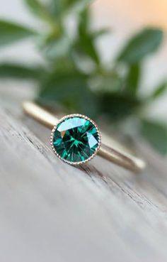 Engagement Ring Emerald Green Moissanite