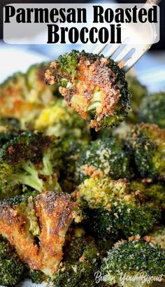Parmesan Roasted Broccoli is the perfect roasted vegetable. The Parmesan and bread crumbs gives it the best crunchy texture. via Parmesan Roasted Broccoli is the perfect roasted vegetable. The parmesan and bread crumbs gives it the best crunchy texture. Roasted Brocolli, Roasted Broccoli Recipe, Roasted Vegetable Recipes, Broccoli Baked In Oven, Oven Roasted Vegetables, Frozen Broccoli Recipes, Best Broccoli Recipe, Grilled Broccoli, Side Dishes