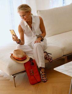 Die Bloggerin Bibi Horst stylt Leinen in vielen Variationen. | Stilexperte für Styling und Anti-Aging 45+ Over 60 Fashion, Fashion Tips For Women, Fashion Over 50, Womens Fashion, Moda Blog, Style And Grace, Summer Looks, Her Style, Ideias Fashion