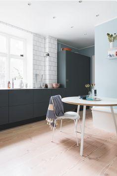 Blue scandinavian kitchen