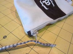 Roomy Zippered Weekender Pouch with Darts: Weekend Wonders Returns with Fabric.com | Sew4Home