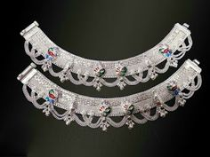 Silver anklets Jewelry Trends, Jewelry Sets, Jewelry Necklaces, Diamond Jewellery, Silver Jewellery, Payal Designs Silver, Leg Chain, Anklet Designs, Silver Anklets