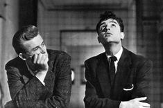 James Dean & Sal Mineo sur le tournage de Rebel Without a Cause, 1955 Pose Reference Photo, Body Reference, Drawing Reference Poses, Drawing Poses, Human Poses, Male Poses, Rebel Without A Cause, Gay Aesthetic, Poses References