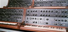 Knifonium Super Monophonic LUXURY Synth with 25 Tubes