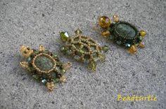 Ein paar neuen Schildkröten zum Hobby-Markt    mit Rosequarz-Perlen      und mit Cabochonen (Serpentin und Unakit)
