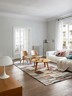 Impressive Scandinavian Style Living Room Designs 2014 : Admirable Grey Scandinavian Living Room Design with Round Wooden Coffee Table and Cozy White Sofa also White Bedroom Curtain Scandinavian Interior Design, Scandinavian Living, Home Living Room, Living Room Designs, Living Area, Bright Apartment, Apartment Ideas, Living Room Decor Traditional, Decoration Bedroom