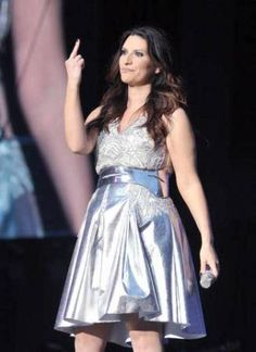 Singing Contest, Pop Singers, Prom Dresses, Formal Dresses, Record Producer, Music Is Life, Superstar, Milano, Divas