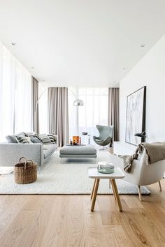 Find your favorite Minimalist living room photos here. Browse through images of inspiring Minimalist living room ideas to create your perfect home. Living Room Modern, Living Room Interior, Home Living Room, Home Interior Design, Living Room Designs, Living Room Decor, Modern Minimalist Living Room, Modern Living Room Curtains, Minimalist Curtains