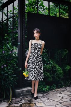Cute Skirt Outfits, Cute Skirts, Pretty Outfits, Girl Outfits, Pretty Korean Girls, Beautiful Asian Girls, Flora Dress, Korean Girl Fashion, How To Look Classy