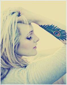 Foto-tatuaje-plumas-azul_thumb.jpg - BlogTatuajes.com