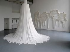 Znalezione obrazy dla zapytania art instalacje z papieru