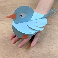 27 New ideas diy paper birds kids Garden Crafts For Kids, Paper Crafts For Kids, Diy Paper, Projects For Kids, Diy For Kids, Paper Crafting, Arts And Crafts, Bird Crafts, Animal Crafts