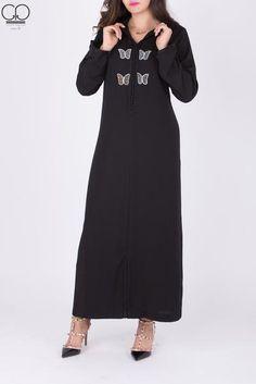 Tissus : Crepe Motifs : Perlée Tailles : S / M / L / XL / XXL Caftan - Livraison Caftan - Vente Caftan - Pas chère - Jabador - Jellaba -morrocco- Gendoura Caftan Gallery, Short Sleeve Dresses, Dresses With Sleeves, Mode Hijab, Couture, Cold Shoulder Dress, Motifs, Womens Fashion, Collection