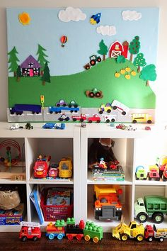 DIY Felt Board: I thought this was a cute idea! You could use the cubbies to put storybooks with felt board pieces. Or you could put story books in the cubbies for students to read . Kids Crafts, Felt Crafts, Craft Activities, Toddler Activities, Sequencing Activities, Cool Diy, Toy Rooms, Felt Diy, Diy Toys