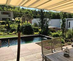 Jezírko ve stylu bazénu - Kuřim 35m³ - Zahradní jezírka | small lake Korat, Stylus, Deck, Outdoor Decor, Home Decor, Homemade Home Decor, Style, Front Porches, Decks