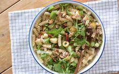 Pastasalade met tonijn Potato Salad, Foodies, Cabbage, Potatoes, Vegetables, Ethnic Recipes, Lifestyle, Potato, Vegetable Recipes