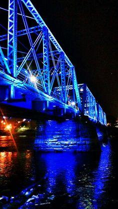 6th Street Bridge. Grand River. Grand Rapids, Michigan. USA.