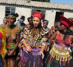 10 Images of Former Muvhango star Simphiwe Ngema rocks traditional attire… Zulu Traditional Attire, Zulu Traditional Wedding, South African Traditional Dresses, African Wedding Theme, African Wedding Attire, African Attire, African Weddings, African Tribal Girls, Tribal Women