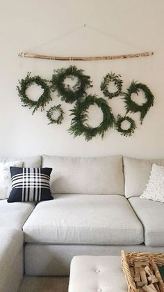 100 Indoor Minimalist Christmas Decorations » Lady Decluttered Christmas Wall Art, Christmas Mantels, Christmas Wreaths, Christmas Holidays, Christmas Houses, Christmas Ideas, Farmhouse Christmas Decor, Rustic Christmas, Simple Christmas