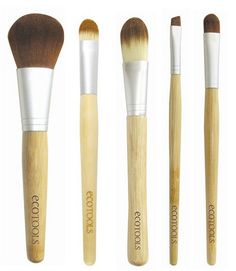 Cheap Brushes you can find almost anywhere,( I love these brushes too )via Michelle Phan. <3 her